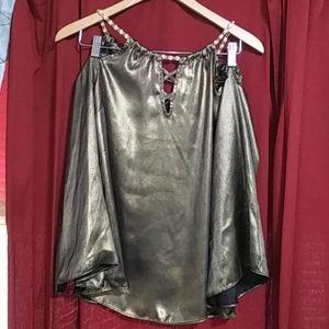 Thalia & Sodi cold shoulder shirt